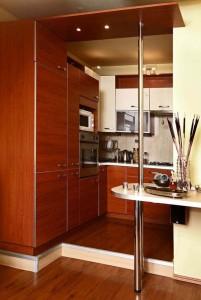 Как правильно установить мебель для маленькой кухни