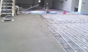 Способы изготовления и укладки цементных стяжек