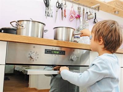 Малыш в доме: расположение техники на кухне