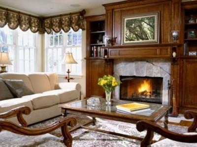 интерьер гостиных с камином