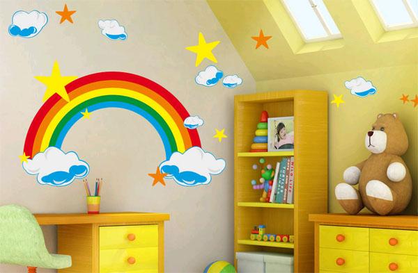 Декор стен в детской комнате
