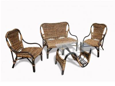 Как выбрать плетеную мебель для дачи