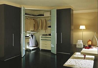 как выбрать угловой шкаф для одежды