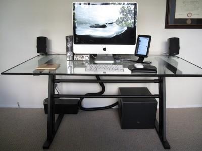 A good computer desk