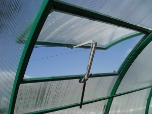 Automatic ventilation of greenhouses
