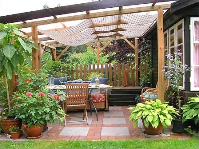 Awnings to give from the sun
