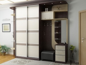 Built-in compartment in the hallway