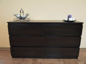 Cabinet or chest of drawers