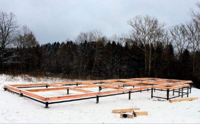 Helical pile foundation