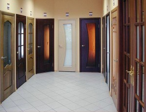 Interior doors in a modern interior