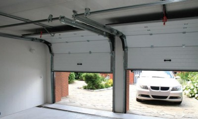Overhead sectional gates