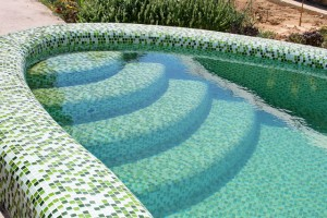 pool liner with a mosaic of colored glass