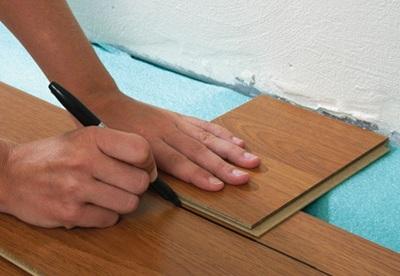 Ламинат укладка своими руками на неровный пол